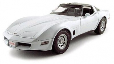 12546W 1982 Chevrolet Corvette Coupe, white 1:18