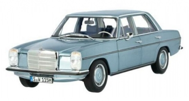 B66040666 Mercedes-Benz 200 /8 (W115) 1968 lightblue 1:18