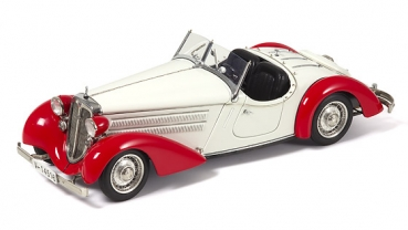 M075C Audi 225 Front Roadster, 1935 (red/white) Limited Edition 4000 pcs. 1:18